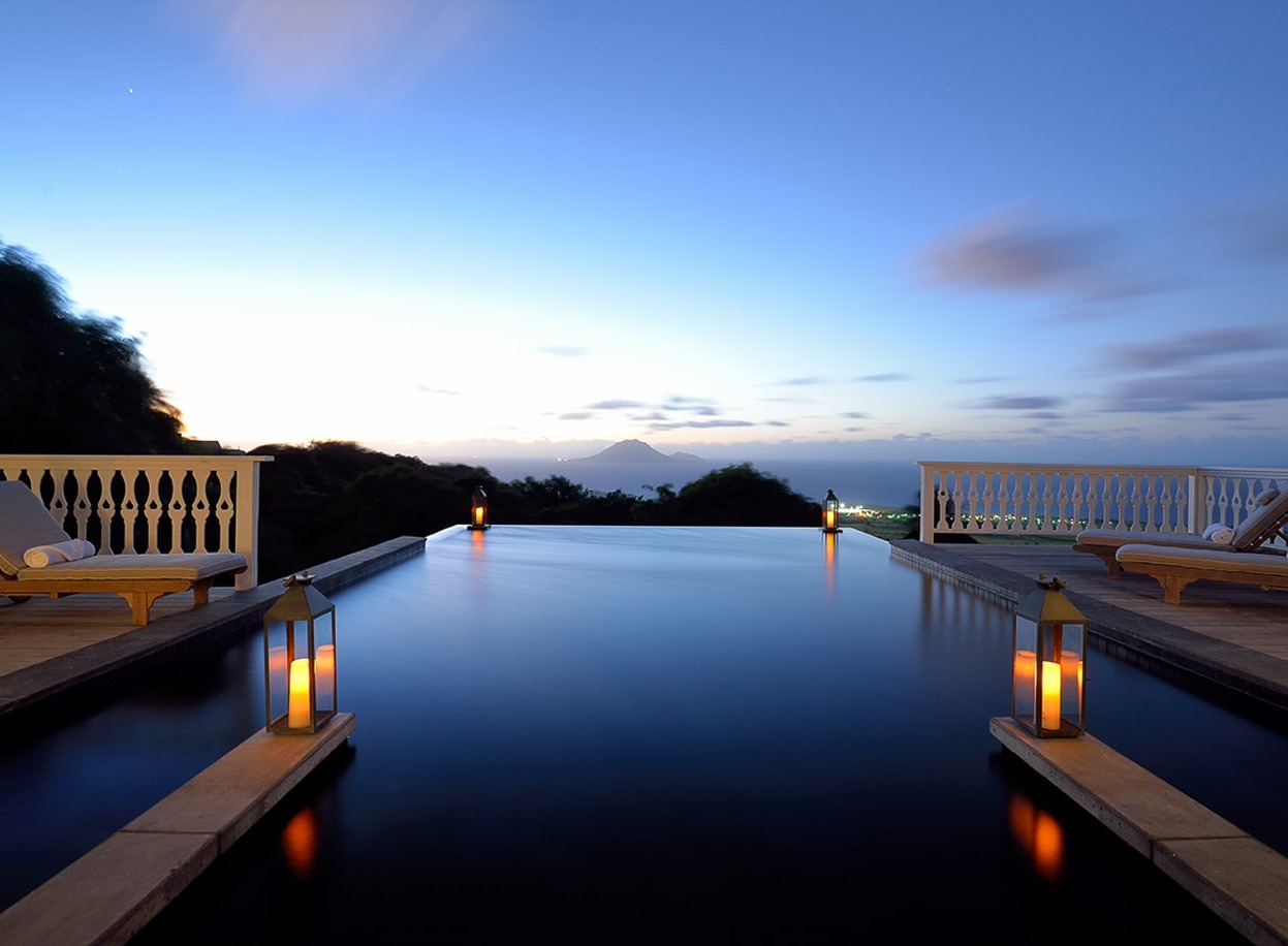 infinity pool at belle mont farm