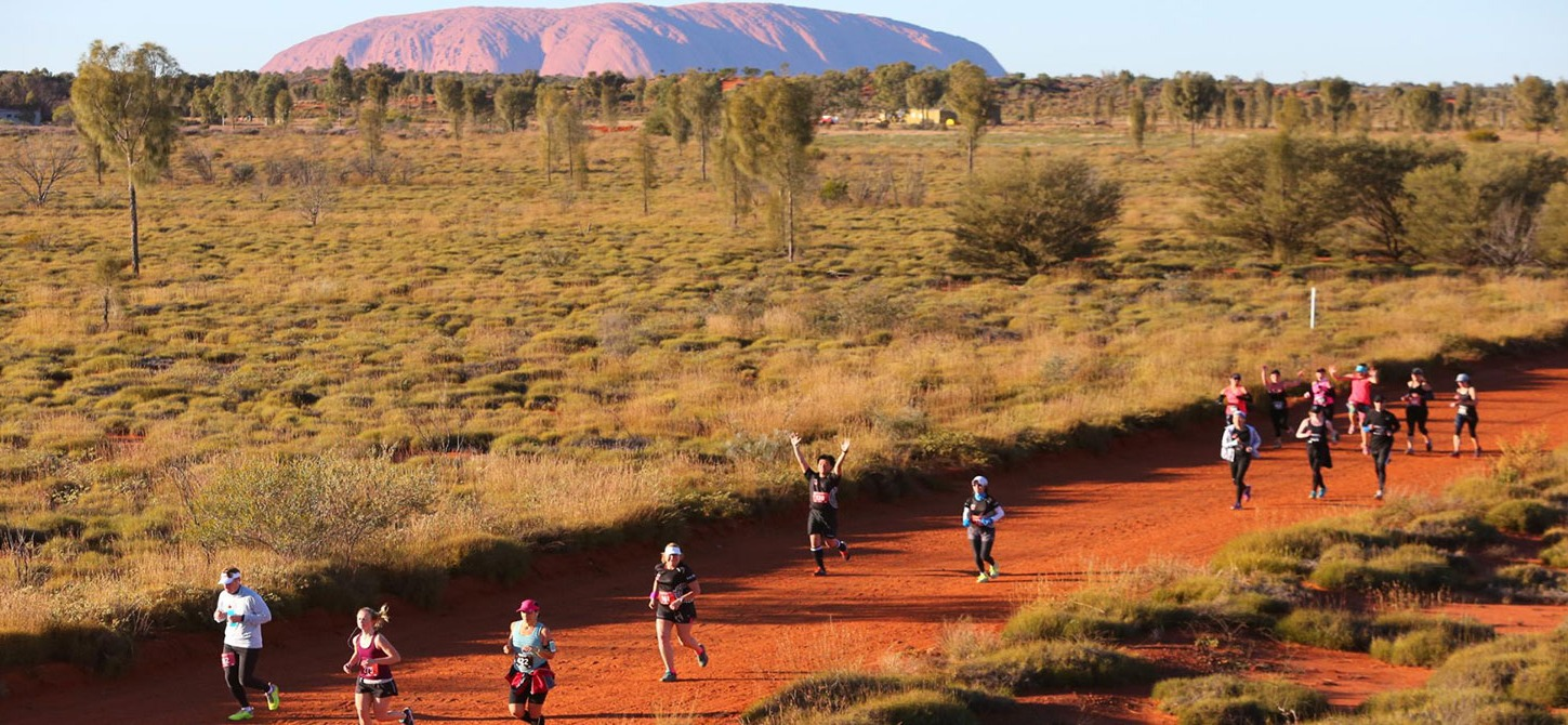 runners racing in australian outback marathon