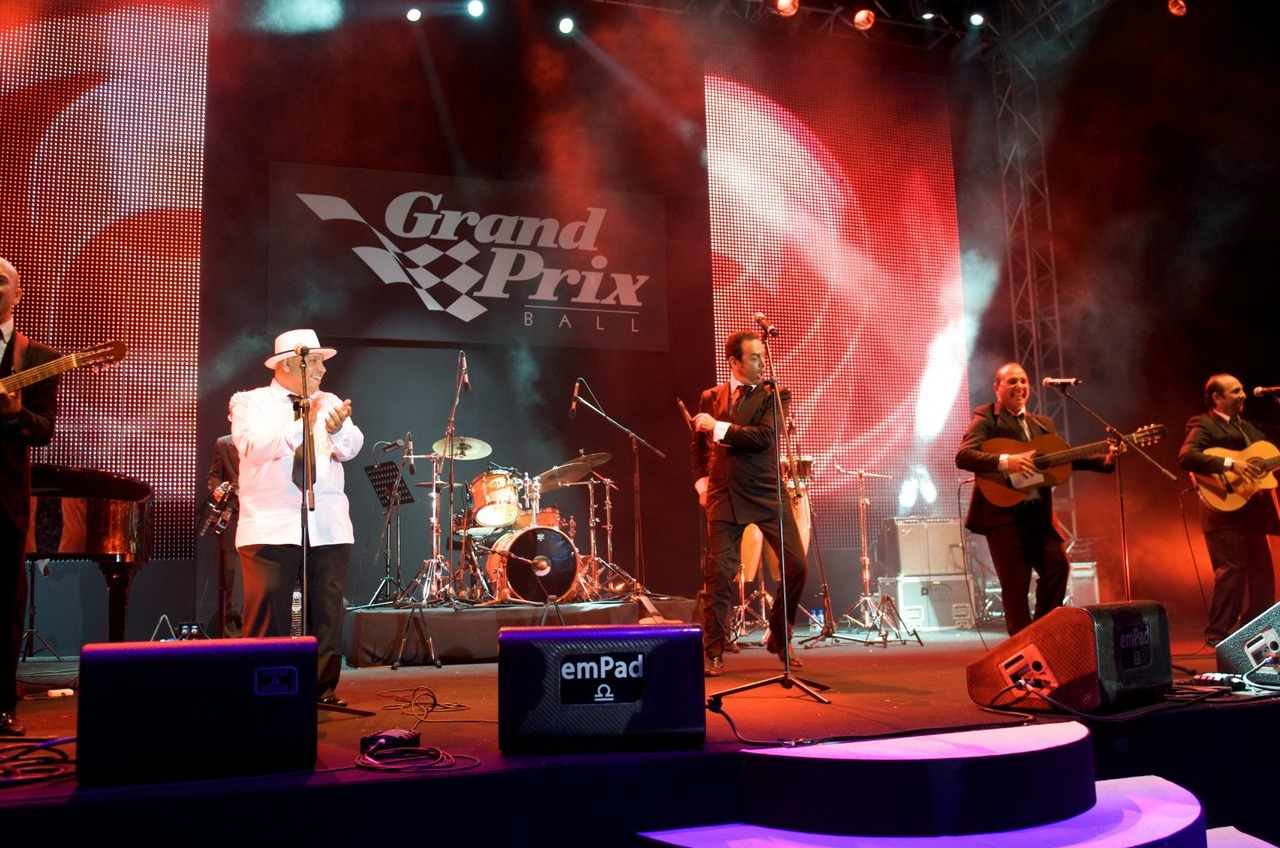 Grand prix ball musicians on stage