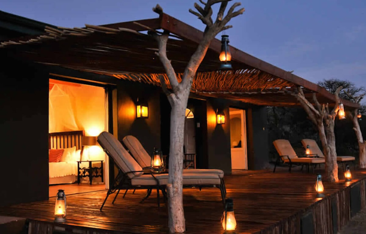 evening light at samara game reserve lusury lodges