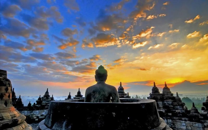 Buddha statue overlooking the Borobudur Sunrise