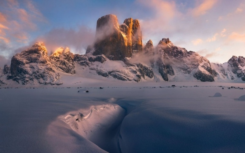 Sunset against rocks at the Arctic Archipelagos