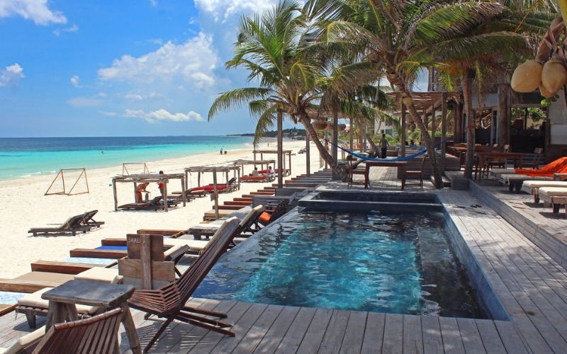 Beachfront pool at Amansala 6 Day Detox Escape in Cancun