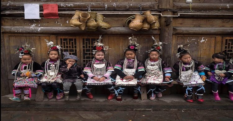 Nomad China children in traditional dress