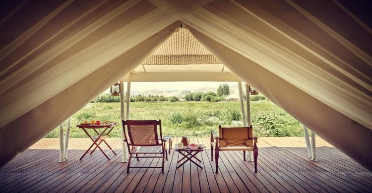 Luxury tent at The Ultimate Travelling Camp