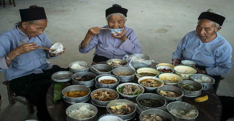 China nomad people eating
