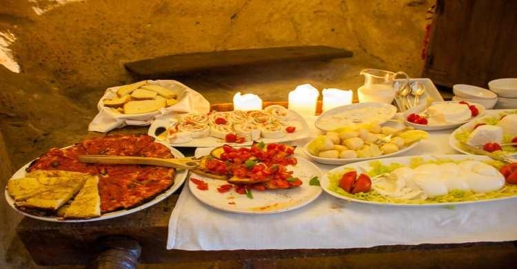 Breakfast served at Le Grotte della Civita