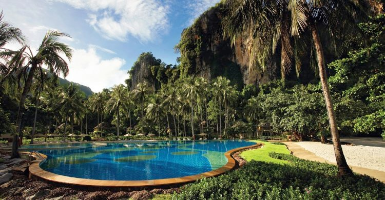 Krabi hotel swimming pool
