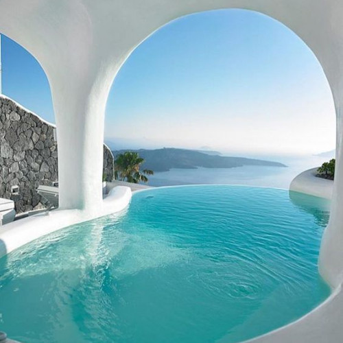 Art Maison with natural cave pools