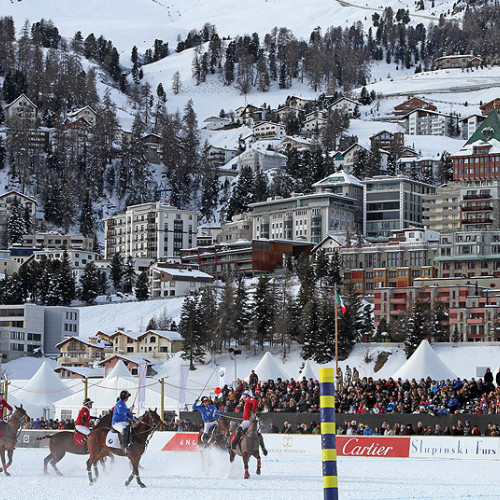 Players on horseback at the Cartier Snow Polo World Cup
