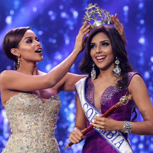 Crowning Miss Colombia Contest