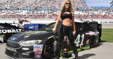 Daytona 500 Hot Model Beside Car