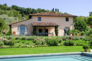 villa with pool at wine and cooking under the tuscan sun retreat