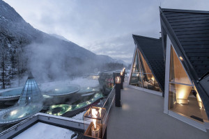 Aqua Dome Thermal Spa Hotel, Tirol with steam and hot pools