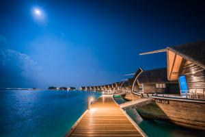 Luxury beach huts on the sea front on Como Cocoa Island